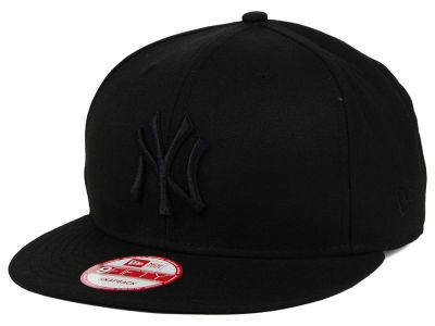 New York Yankees MLB Black on Black 9FIFTY Snapback Cap Hats