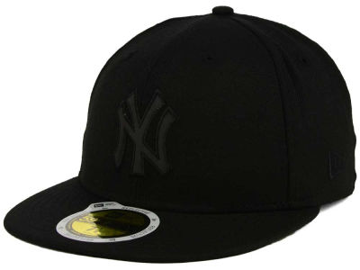 New York Yankees MLB Black on Black Iridescent 59FIFTY Cap Hats