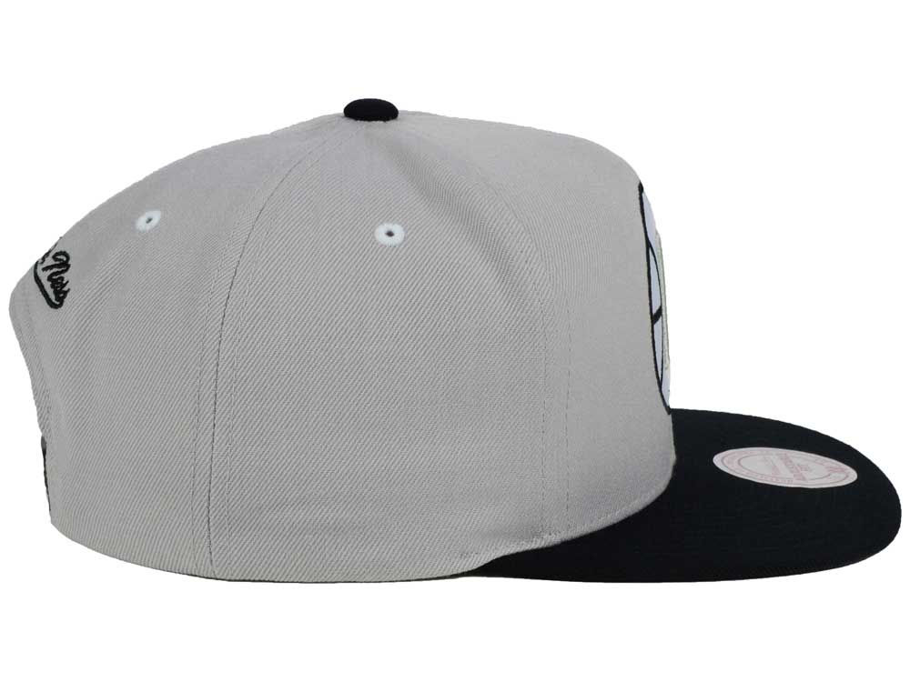 0419f8a26f3 ... uk los angeles clippers mitchell and ness nba team gray white snapback  cap hot sale c787f
