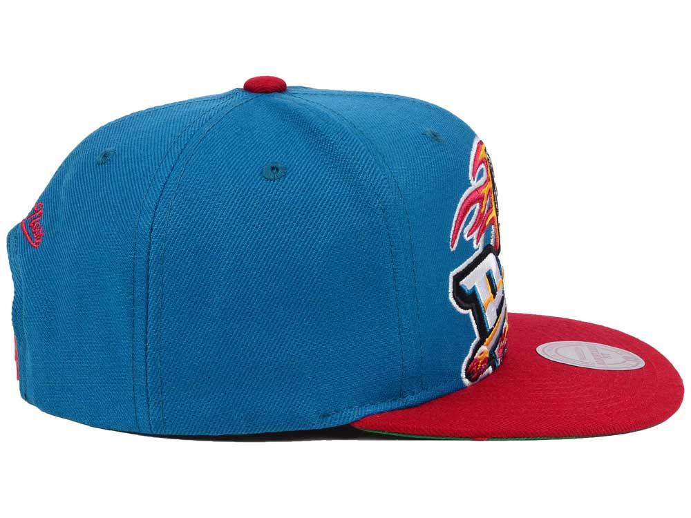 wholesale dealer 0064f 48aab Detroit Pistons Mitchell and Ness NBA Hardwood Classic Cropped XL Logo  Snapback Cap new