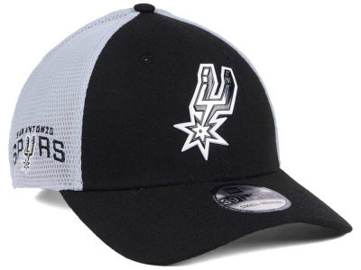 San Antonio Spurs 2017 NBA On Court 39THIRTY Cap Hats