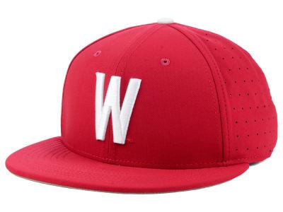 734c5ca39b4 Washington State Cougars Nike NCAA Aerobill True Fitted Baseball Cap ...