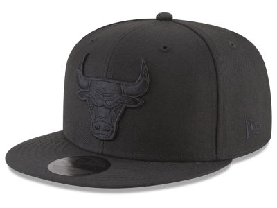 Chicago Bulls New Era NBA Blackout 59FIFTY Cap  11c7c02434c