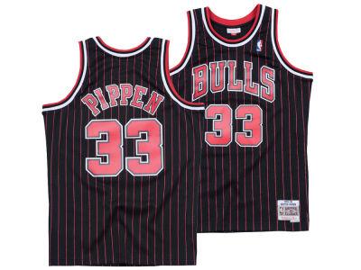 020eb8c03cd Chicago Bulls Scottie Pippen Mitchell & Ness NBA Men's Hardwood Classic  Swingman Jersey | Tuggl