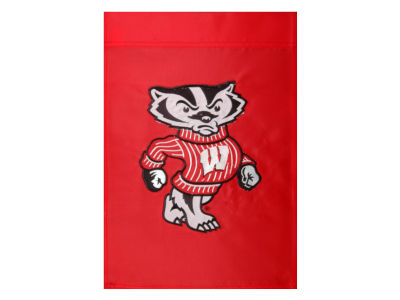 Wisconsin Badgers Garden Flag
