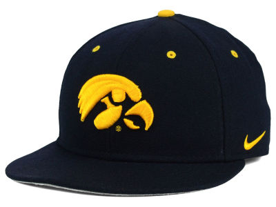 Iowa Hawkeyes Nike NCAA Wool True College Fitted Cap