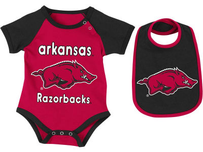 Arkansas Razorbacks NCAA Newborn Junior Creeper/Bib Set