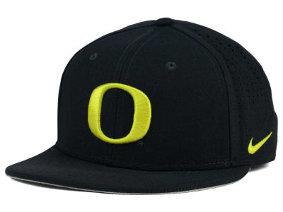 Oregon Ducks Nike NCAA Authentic Vapor Fitted Cap