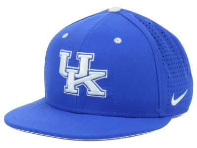 Kentucky Wildcats Nike NCAA Authentic Vapor Fitted Cap
