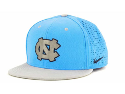 North Carolina Tar Heels Nike NCAA Authentic Vapor Fitted Cap