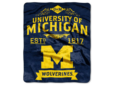 Michigan Wolverines 50x60in Plush Throw Team Spirit