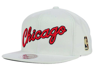 Chicago Bulls Mitchell and Ness NBA Solid Snapback Cap