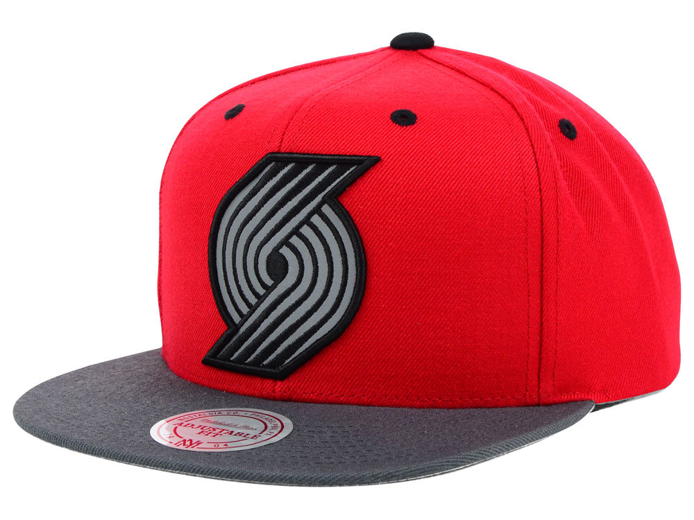 145f337288a Portland Trail Blazers Mitchell   Ness NBA XL Reflective 2 Tone Snapback Hat