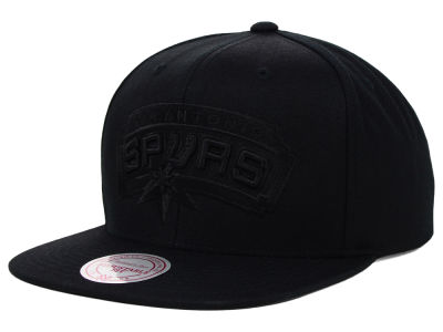 San Antonio Spurs Mitchell and Ness NBA Team BW Snapback Hat