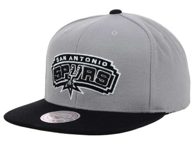 San Antonio Spurs Mitchell & Ness NBA Team BW Snapback Hat