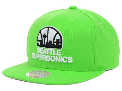Seattle SuperSonics Mitchell & Ness NBA Team BW Snapback Hat