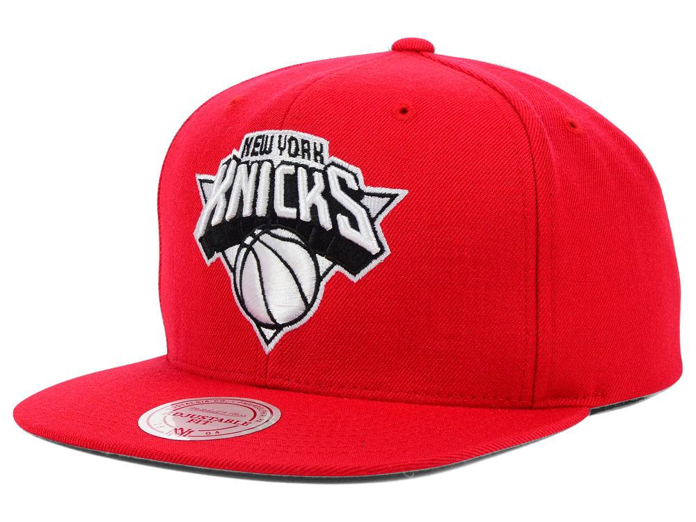 3a0d2e13bd9 New York Knicks Mitchell   Ness NBA Team BW Snapback Hat