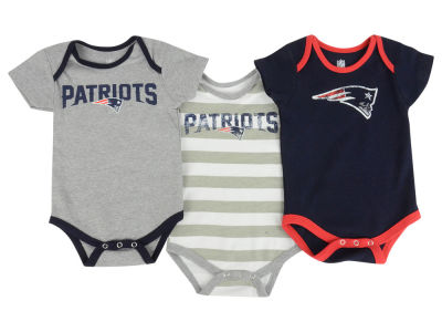 New England Patriots NFL Newborn Field Goal Bodysuit Set