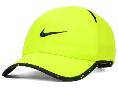 Nike Seasonal Featherlight Cap