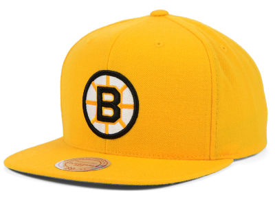 new styles faafc 62e05 Boston Bruins Mitchell   Ness NHL Wool Solid Snapback Cap