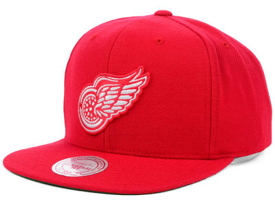 Detroit Red Wings Mitchell and Ness NHL Wool Solid Snapback Cap