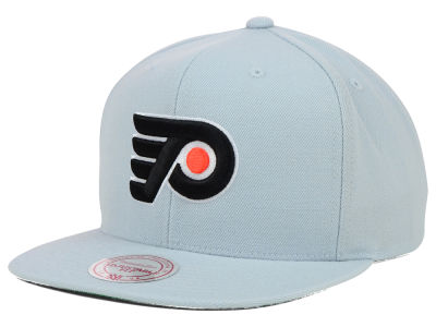 Philadelphia Flyers Mitchell and Ness NHL Wool Solid Snapback Cap