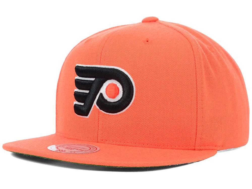 ba224fac841 Philadelphia Flyers Mitchell   Ness NHL Wool Solid Snapback Cap ...