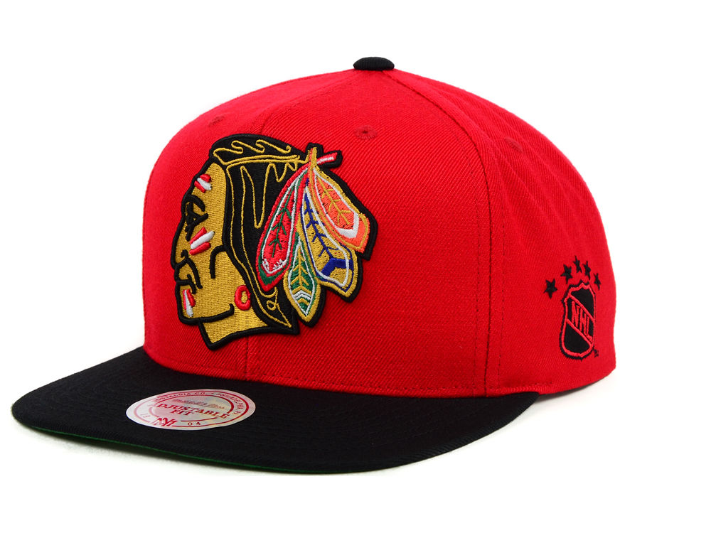 Chicago Blackhawks Mitchell   Ness NHL XL Logo 2Tone Snapback Cap ... 1ff8e5361a65
