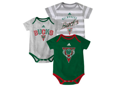 Milwaukee Bucks NBA Newborn 3 Point Play Creeper Set