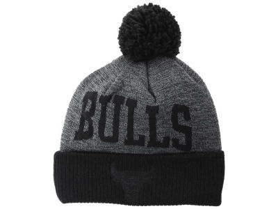 Chicago Bulls Mitchell and Ness NBA Blackout High 5 Cuffed Pom Knit