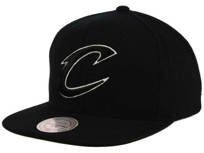Cleveland Cavaliers Mitchell & Ness NBA Team BW Snapback Hat