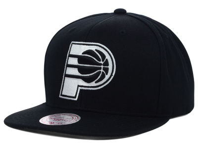 Indiana Pacers Mitchell & Ness NBA Team BW Snapback Hat