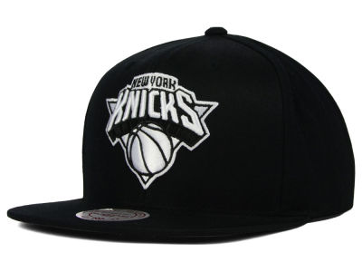 New York Knicks Mitchell and Ness NBA Team BW Snapback Hat