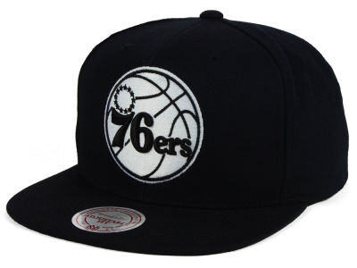 Philadelphia 76ers Mitchell and Ness NBA Team BW Snapback Hat