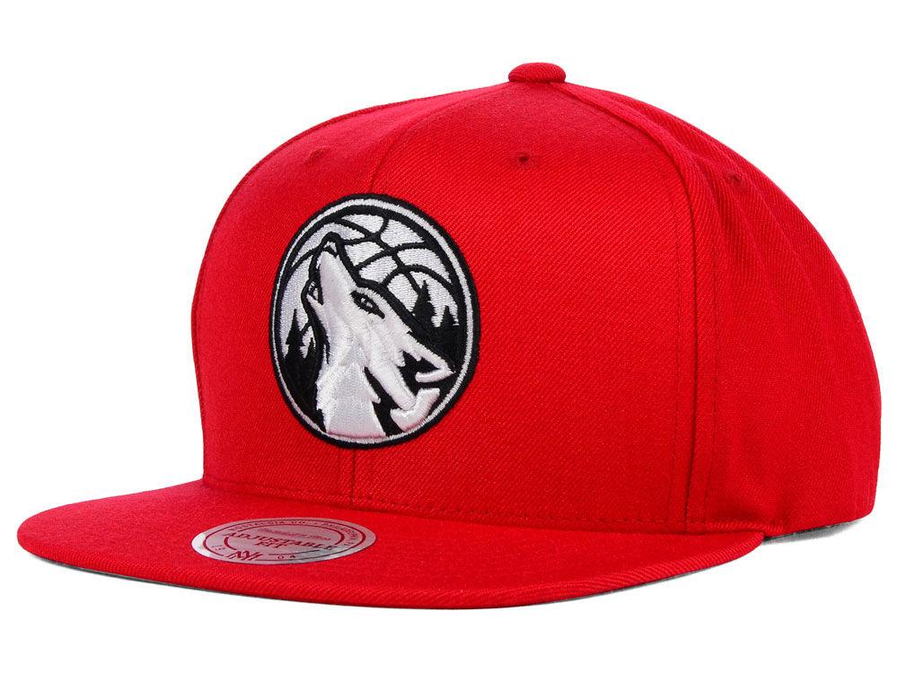 the latest d4b65 0bb77 Minnesota Timberwolves Mitchell   Ness NBA Team BW Snapback Hat   lids.com