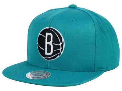 Brooklyn Nets Mitchell & Ness NBA Team BW Snapback Hat