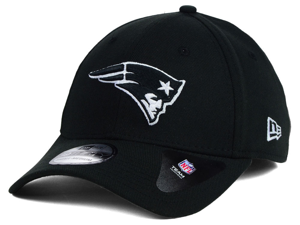 39cf30b8e New England Patriots New Era NFL Black White Team Classic 39THIRTY Cap