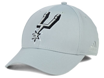 San Antonio Spurs adidas NBA Gray Run and Gun Flex Cap