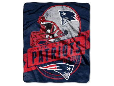 "New England Patriots 50x60in Plush Throw Blanket ""Grand Stand"""