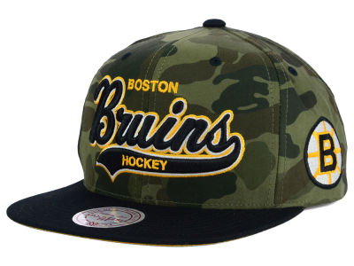 Boston Bruins Reebok NHL Camo Tailsweep Snapback Hat