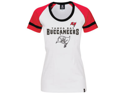 Tampa Bay Buccaneers NFL Women's LE Flock Huddle T-Shirt