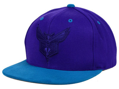 Charlotte Hornets Mitchell and Ness NBA W-Blend Snapback Cap