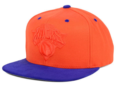 New York Knicks Mitchell and Ness NBA W-Blend Snapback Cap