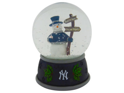 New York Yankees Snow Globe Snowman