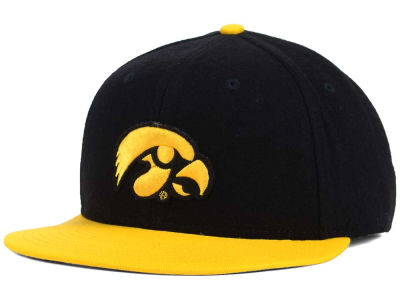 Iowa Hawkeyes Nike NCAA Flannel True Fitted Cap