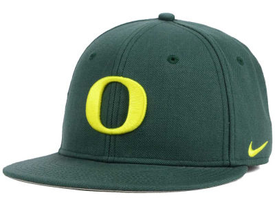 Oregon Ducks Nike NCAA Wool True College Fitted Cap