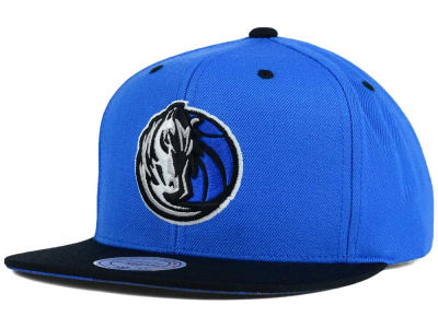 Dallas Mavericks Mitchell and Ness NBA Split Under Snapback Hat