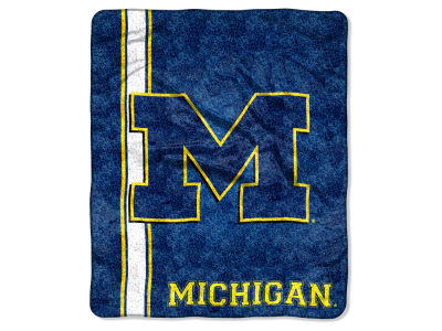 Michigan Wolverines 50x60in Sherpa Throw