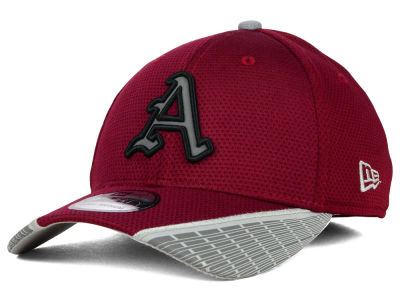 Arkansas Razorbacks New Era NCAA Training Mesh 39THIRTY Cap