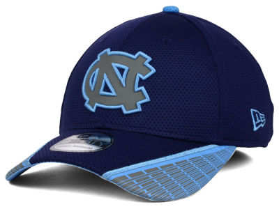 North Carolina Tar Heels New Era NCAA Training Mesh 39THIRTY Cap